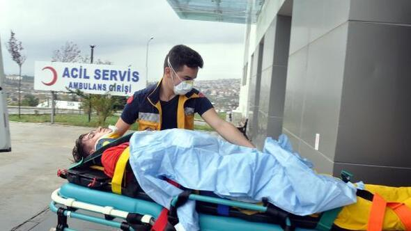 Malkarada otomobille çarpışan motosiklet sürücüsü yaralandı