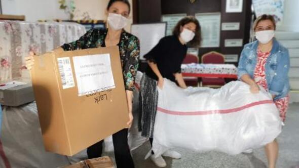 Kıbrıs İlkokulu velileri ve öğretmenlerinden İzmir'e yardım eli