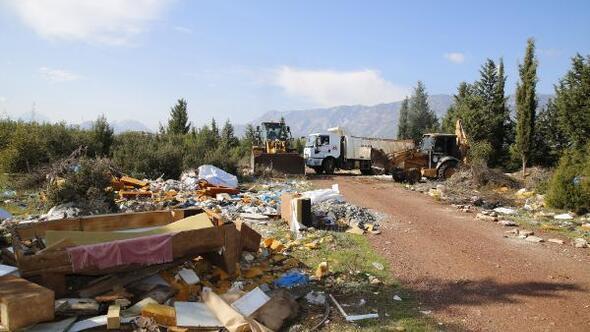 Ormandan 28 kamyon çöp çıktı