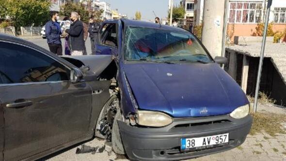 Kayseride iki otomobil çarpıştı: 1 yaralı