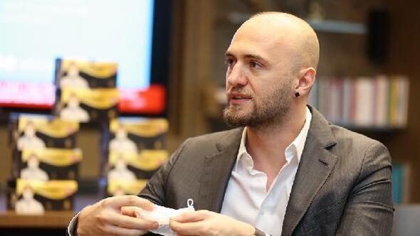 Maske üreticisi Hasan Karadeniz: Merdiven altında üretilen maskeler korumuyor