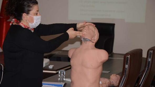 Kuşadasında Belediye personeline ilk yardım eğitimi