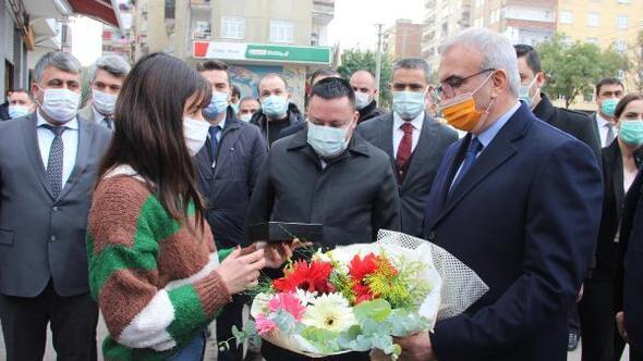 Diyarbakırda günde 20 bin insanın ziyaret ettiği Sakarya Caddesi yenileniyor