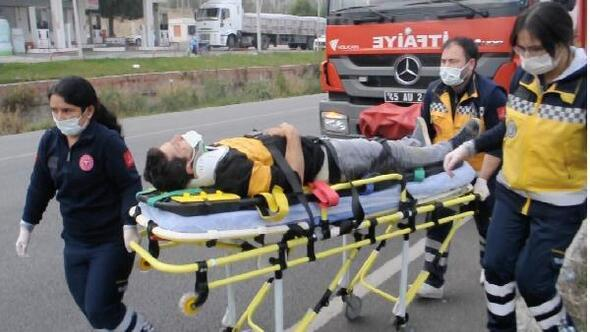 Kamyonet, park halindeki TIRa çarptı: 1 yaralı