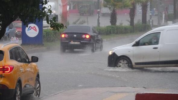 Anamur'da yağış başladı
