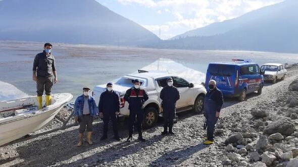 Avlanda kaçak avcılar yakalandı