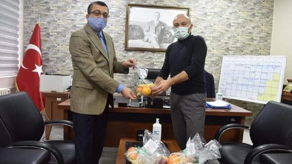 Çan Belediyesinden sağlıkçılara meyve ikramı