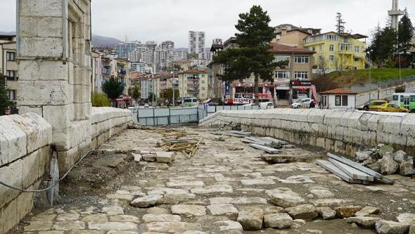Başkan Eroğlu: Tarihin özgün dokusunu gün yüzüne çıkarıyoruz