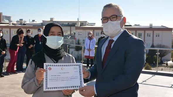 Niğde'de sağlık çalışanlarına teşekkür belgesi