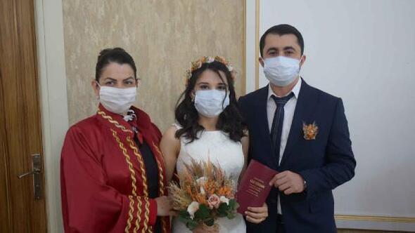 Osmaniyede 2020 yılının son gününde 2020nci nikah kıyıldı
