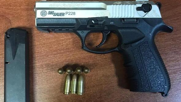 Tekirdağ'da 12 yaşındaki çocuğun üzerinde tabanca bulundu