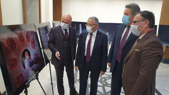 Başkan Büyükkılıç, 'Pandemi ile Yaşam' sergisini gezdi