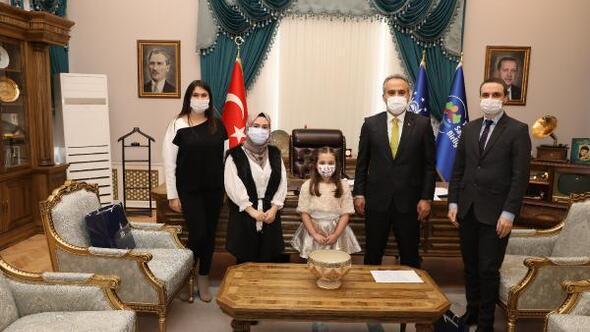 Minik piyanist Eker, Bursa Büyükşehir Belediye Başkanı Aktaşı ziyaret etti