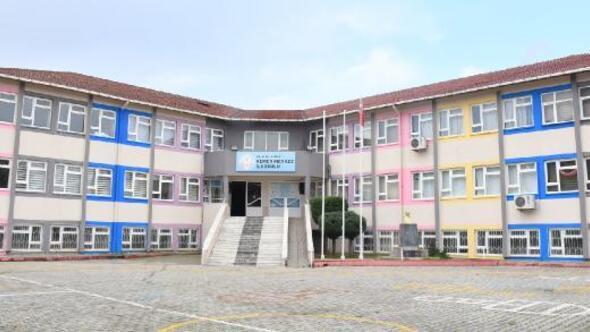 Kemer Belediyesinden okullara bakım