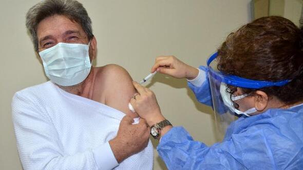Serikte sağlık çalışanlarına aşı