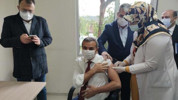 Osmaniyede ilk koronavirüs aşısı yapıldı