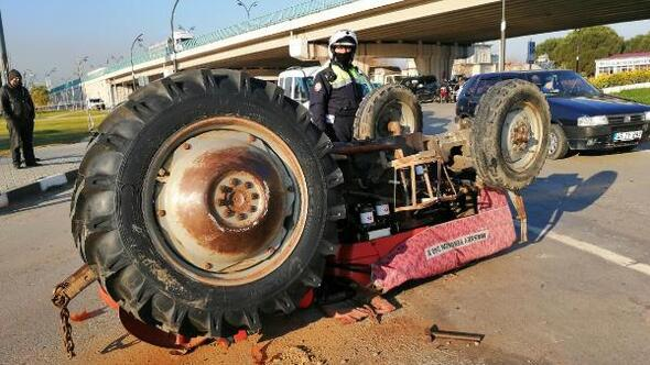 Kamyonetle traktör çarpıştı: 1 yaralı