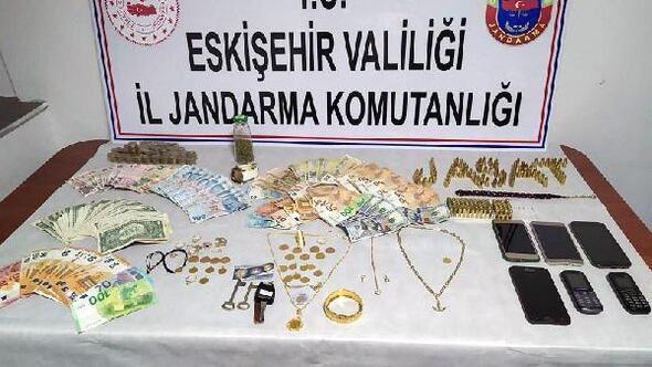 Eskişehirde, 10 evden hırsızlık yapan 6 şüpheli yakalandı