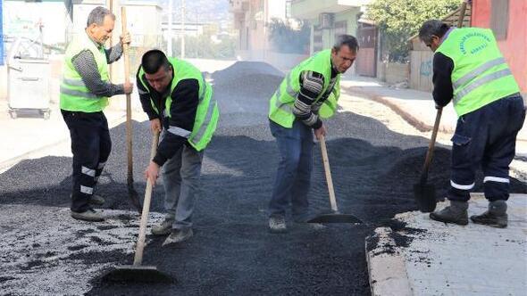 Toroslarda sıcak asfalt çalışmaları devam ediyor