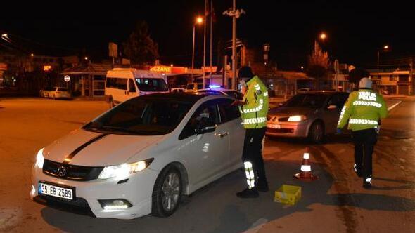 Polisten, alkol kontrolü ve asayiş uygulaması