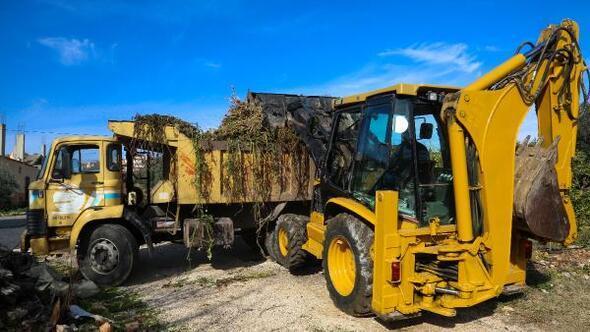 Erdemli Belediyesi'nden çiftçilere destek