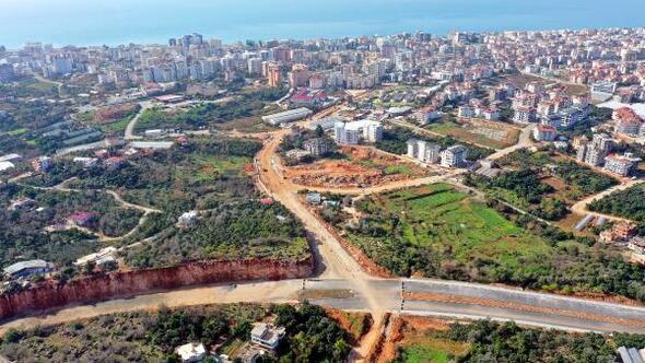 Alanya Belediyesinden yoğunluğu çözecek yola asfalt