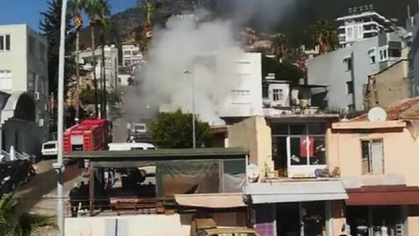 Cami şadırvanında çıkan yangın söndürüldü