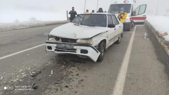 Gemerekte iki otomobil çarpıştı: 1 yaralı