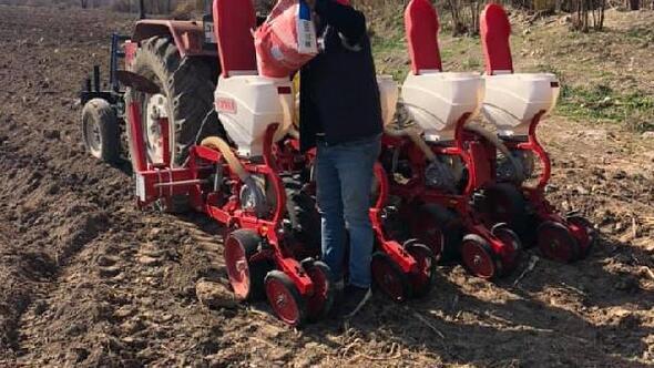 Kadirlide mısır ekimi başladı