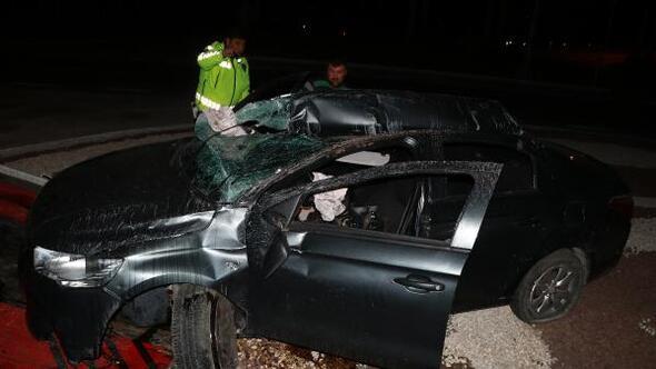 Burdurda otomobil takla attı: 2 yaralı