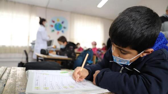 30 bin 717 öğrenci okula geri döndü
