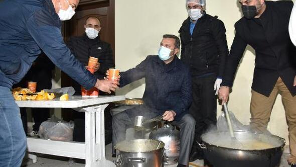 Başkan Kocaispir'den işçilere sürpriz