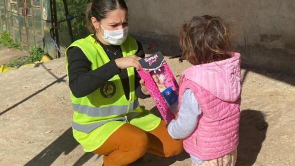 Minik kızlara belediyeden yardım eli