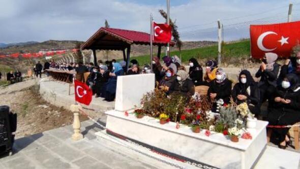 İdlib şehidi mezarı başında anıldı