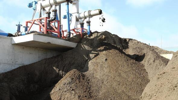 Hayvan atıkları organik gübre ve elektriğe dönüşüyor