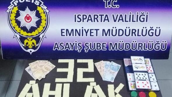 Ispartada kumar baskınında 34 bin 552 lira ceza
