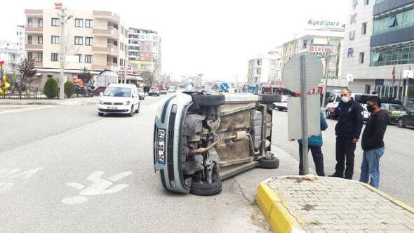 Adıyamanda devrilen otomobilin sürücüsü yaralandı