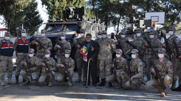 Kore gazisi, askerlere anılarını anlattı