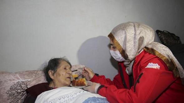 Adana Büyükşehir Belediyesinden yaşlılara destek