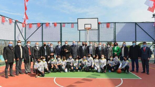 Süleymanpaşada Şehit Turgut Kurtçu İlkokuluna çok amaçlı spor sahası