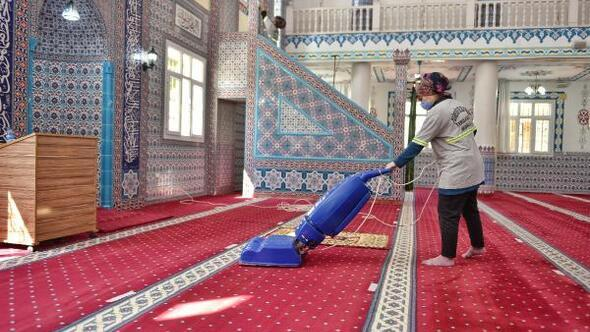 Yüreğir'de camiler Ramazan ayına hazırlanıyor