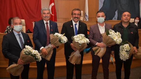 Başkan Çetin'den grup başkan vekillerine nazar boncuğu