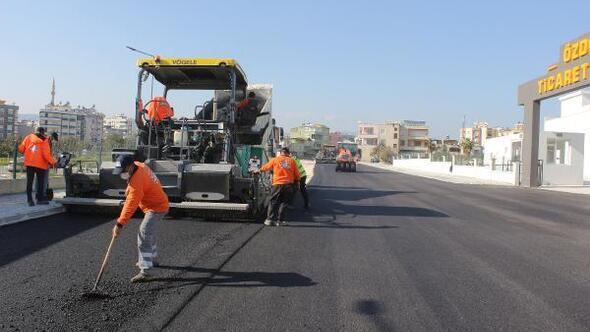 Büyükşehir'in yol ve asfalt çalışmaları sürüyor