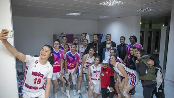 Büyükşehir kadın basketbol ekibi Play-Off'a yaklaştı