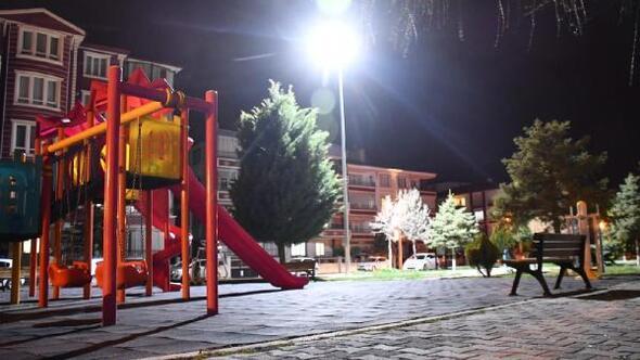 Aksarayda parklar ışıklandırıldı