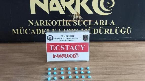 Eskişehir'de 52 uyuşturucu hapla yakalanan şüpheli tutuklandı