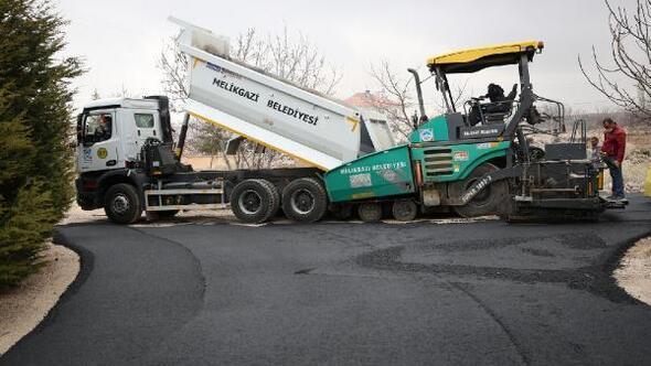 Melikgazi Belediyesi asfaltlama çalışmalarını sürdürdü