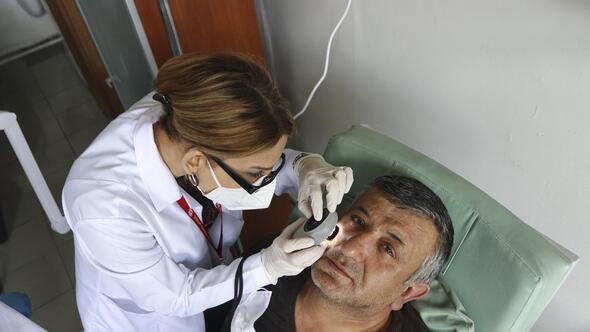 Dezenfektanı yüzüne sürdü hastanelik oldu