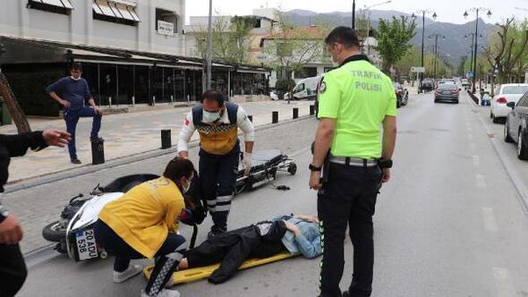 Motosiklet devrildi; 1 yaralı