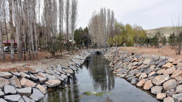 Ahlatta yapımı süren Millet Bahçesi Haziranda açılacak